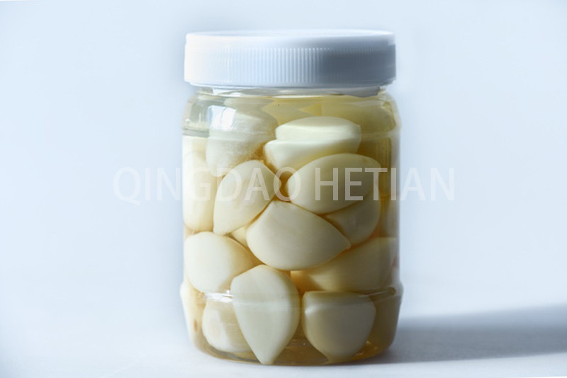 Garlic in brine